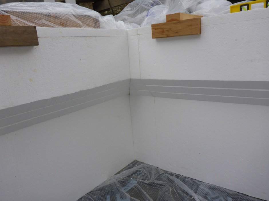 Fitted Cut Outer Eps Inside Corner