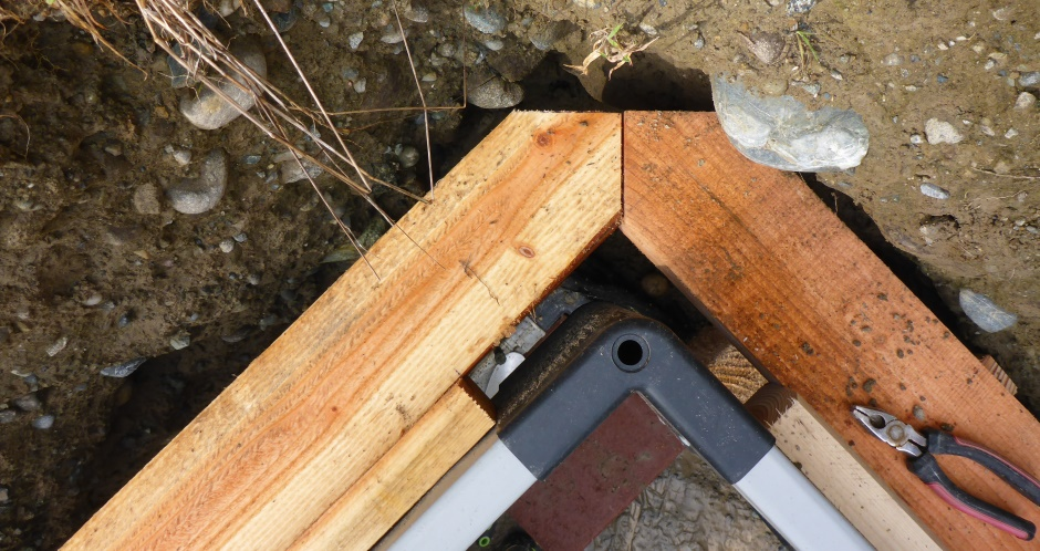 Outer Upper Form-A-Drain Corner Wood Angle