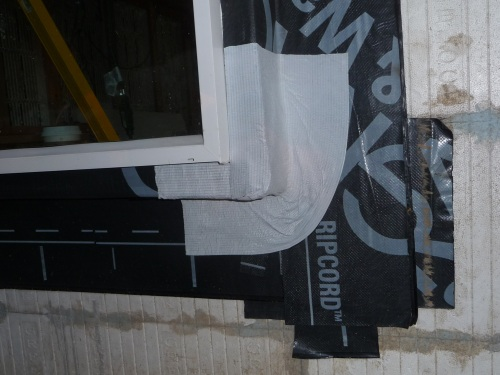 Window flexible corner flashing